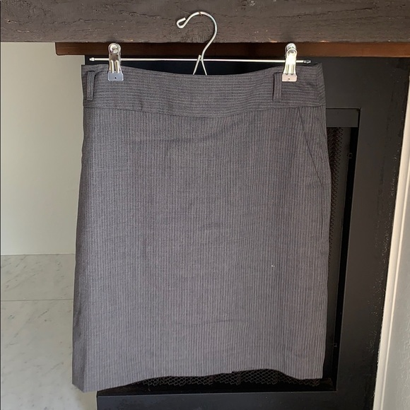 Banana Republic Dresses & Skirts - Stretchy pencil skirt